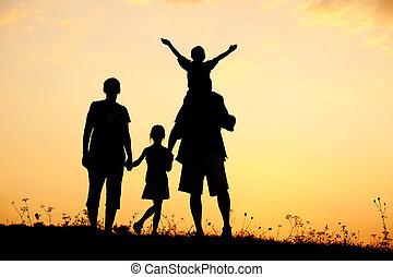 famille, silhouette, enfants, père, été, mère, coucher soleil, heureux
