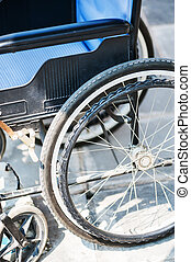 fauteuils roulants, aucuns gens