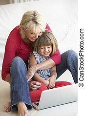 femme, âge, jeune, milieu, informatique, utilisation, girl, ordinateur portable