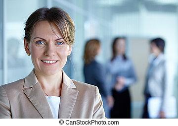 femme, éditorial