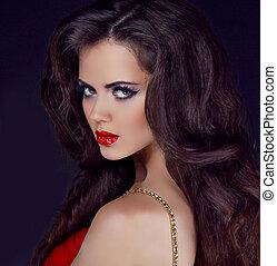 femme, bouclé, styling, longs cheveux, élégant, lèvres, portrait, rouges