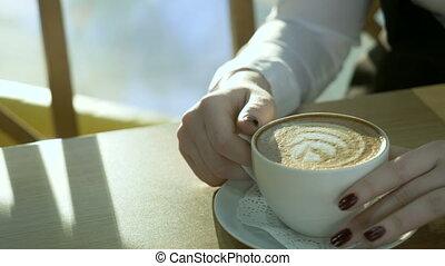 femme, café, jeune, cappuccino., séance