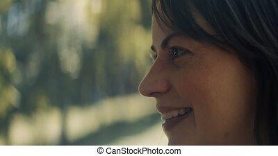 femme, closeup, park., sourire