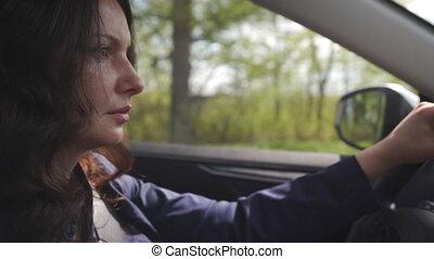 femme, conduit, conduite, vue côté, automobile., portrait, beau, voiture
