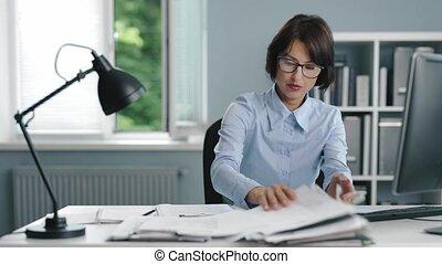 femme, décue, lieu travail