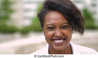 femme, dehors, jeune, américain, africaine, portrait
