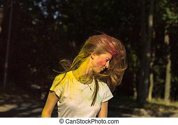 femme, festival, cheveux vol, célébrer, séduisant, holi, blond