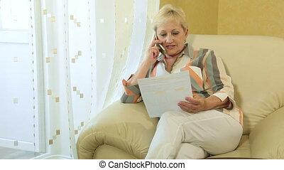 femme, financier, document