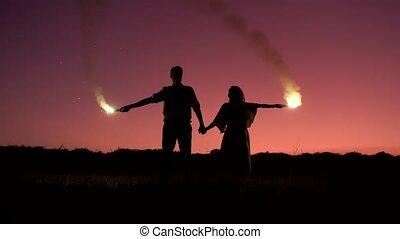 femme, fumée, tenue, silhouettes, tête, au-dessus, éclats (flares), homme