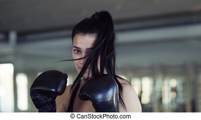 femme, gymnase, boxe, jeune, gants, indoors., exercice