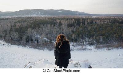 femme, hiver, dos, forest., devant, mélangé, blond