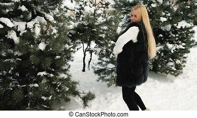 femme, hiver, sauts, sapin, forêt, blonds, dehors, amusement, a