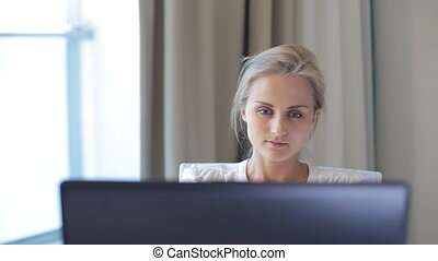 femme, informatique, fonctionnement