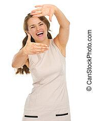 femme, jeune, encadrement, mains, robe, heureux