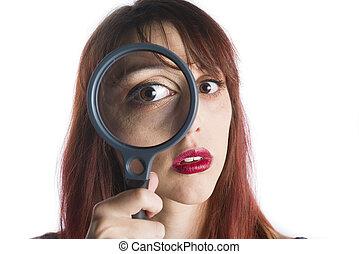 femme, jeune regarder, verre, par, magnifier