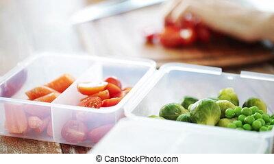 femme, légumes, haut, couper, fin, maison