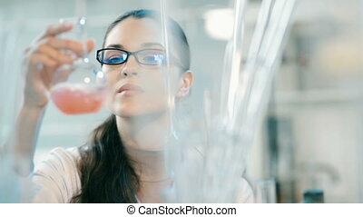 femme, laboratoire, fonctionnement, flacon