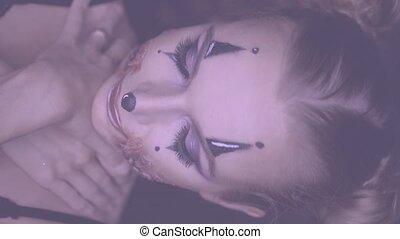 femme, maquillage, halloween, clown