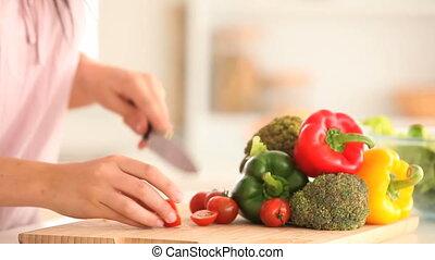 femme, partage, tomates