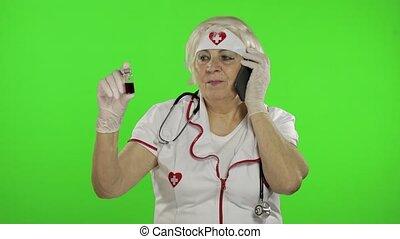 femme, patient., docteur, conversation, covid-19, personnes agées, téléphone, coronavirus.