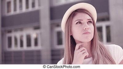 femme pensée, jeune