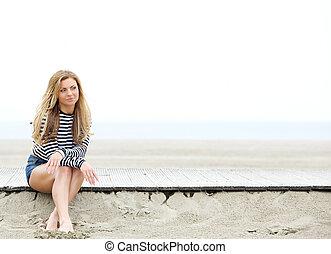 femme pensée, plage, jeune, séance