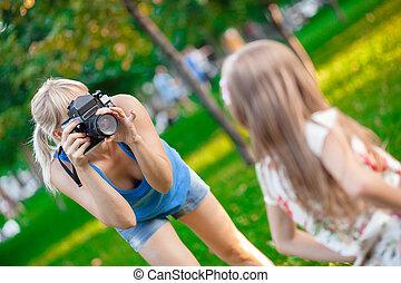 femme, photographier, enfant