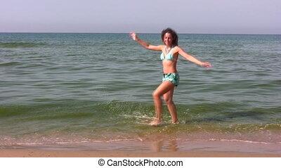femme, plage, danse