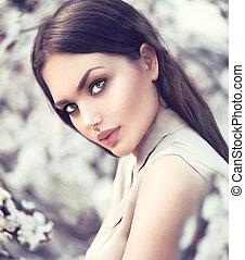 femme, romantique, beauté, arbres., dehors, mode, printemps, fleurir, girl
