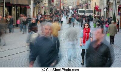 femme, rue, poser, jeune