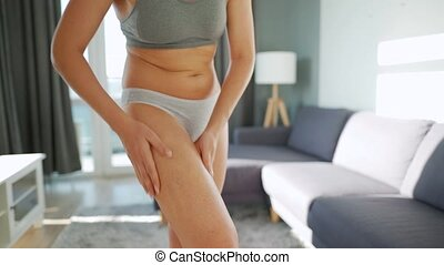 femme, self-massage, anti-cellulite, gel, elle, smears, jambe