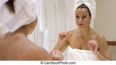 femme, serviette, elle, emballage, jeune, cheveux, magnifique