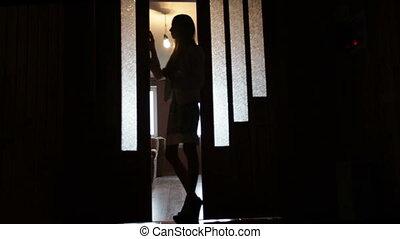 femme, silhouette, porte