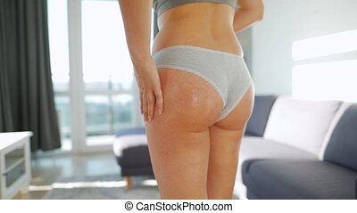 femme, smears, gel, anti-cellulite, self-massage, fesse, elle