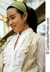 femme souriante, asiatique