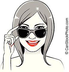 femme souriante, lunettes soleil