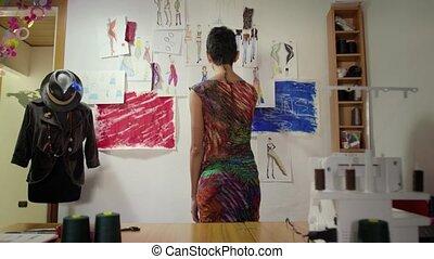 femme, studio, jeune, fonctionnement
