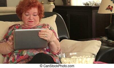 femme, tablette, numérique