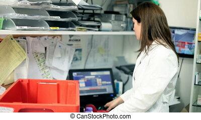 femme, travail, pharmacien