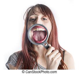 femme, verre, bouche, devant, ouvert, magnifier