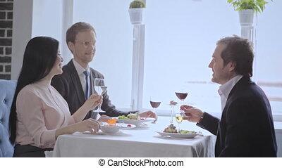 femmes, déjeuner affaires, restaurant, avoir, trois