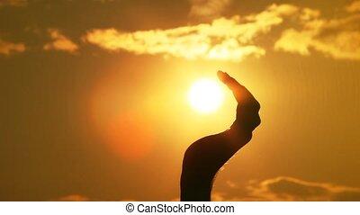 fers, soleil, main