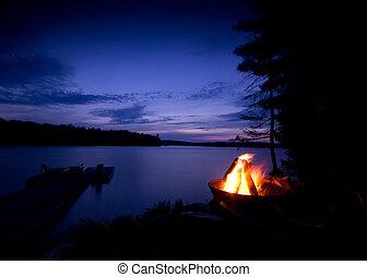 feu camp, lac