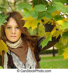 feuilles automne, mannequin, fond