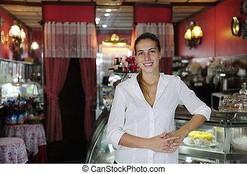 fier, petit, femme, propriétaire, business:, café