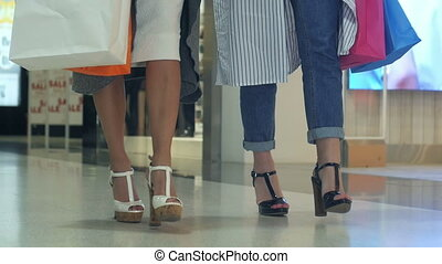 filles, centre commercial, achats, marcher