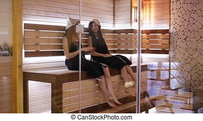 filles, deux, délassant, sauna