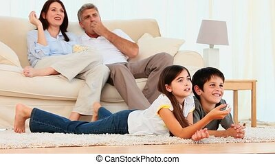 film regardant, famille