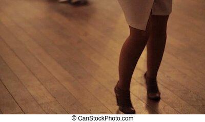fin, femme, haut, jambes, danse