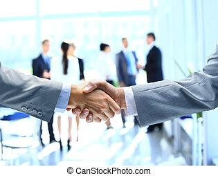 fin, mains secouer, haut, hommes affaires
